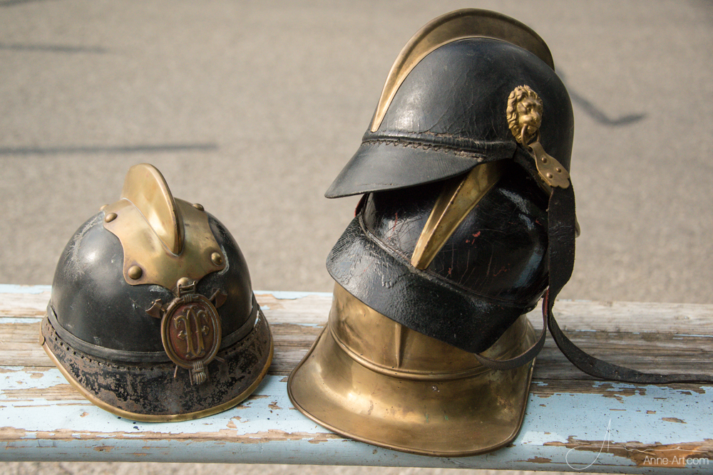alte Feuerwehrhelme